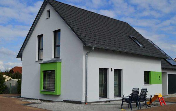Einfamilienhaus mit Carport / Garage